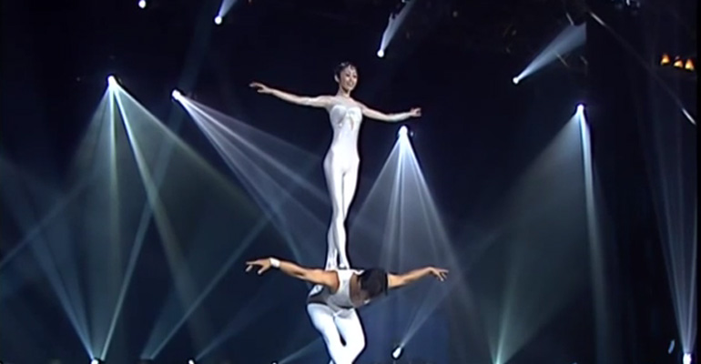 Guangdong Chinese acrobats perform 'Pas de Deux' on 'Le Plus Grand Cabaret du Monde.'