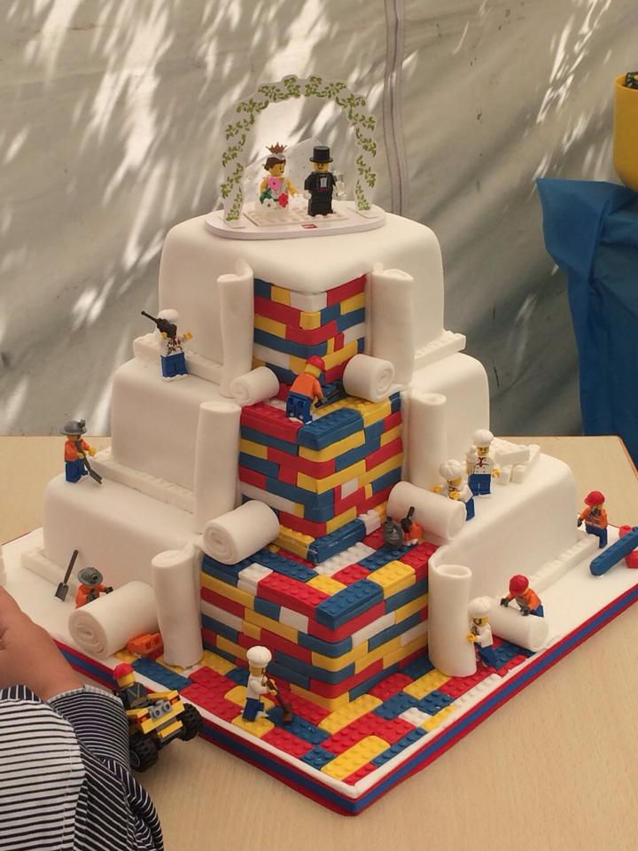 This Custom Lego Wedding Cake Is A Lego Lovers Dream