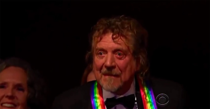 """Robert Plant Can't Hold Back the Tears During """"Stairway to Heaven"""" Musical Tribute."""