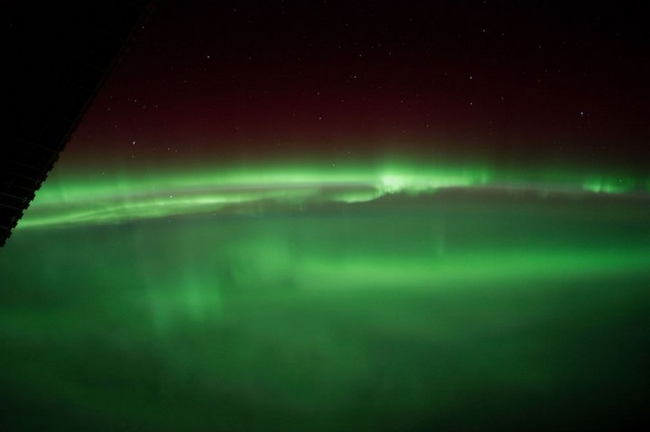 21 Awe-Inspiring Photos - An Aurora Borealis as seen from the International Space Station.