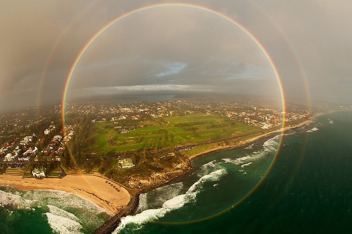 21 Awe-Inspiring Photos - Photo of a rare 3360-degree rainbow taken from a plane.