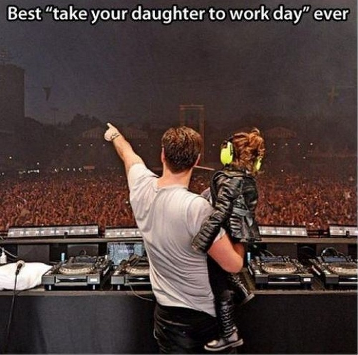 21 Hilarious Parents - Dad makes his daughter feel like she is on top of the world.
