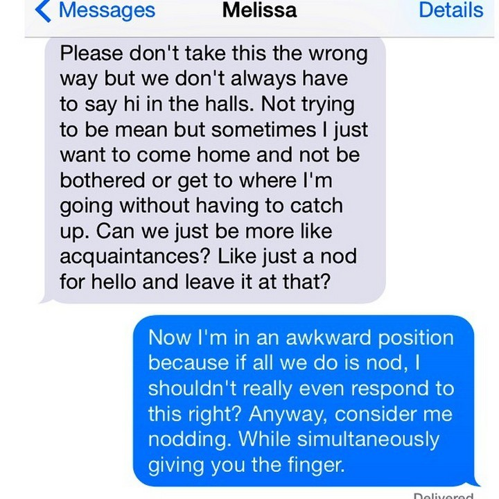 25 Hilarious Texts Between Neighbors - That was awkward.