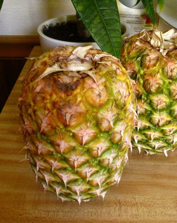 Store your pineapple upside down.