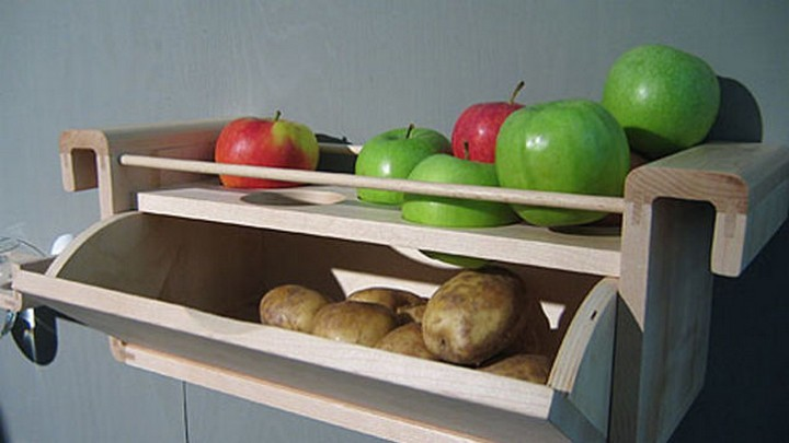 Store apples with potatoes to prevent them from sprouting.