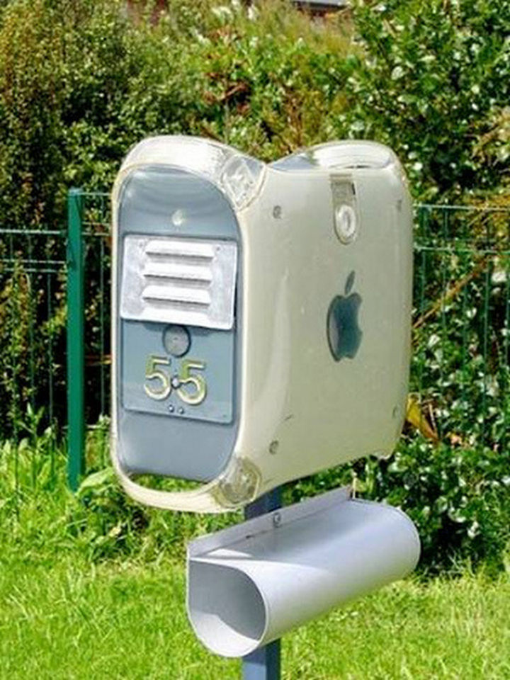 28 Unique Mailboxes That Are So Funny - Presenting...the iMailbox.