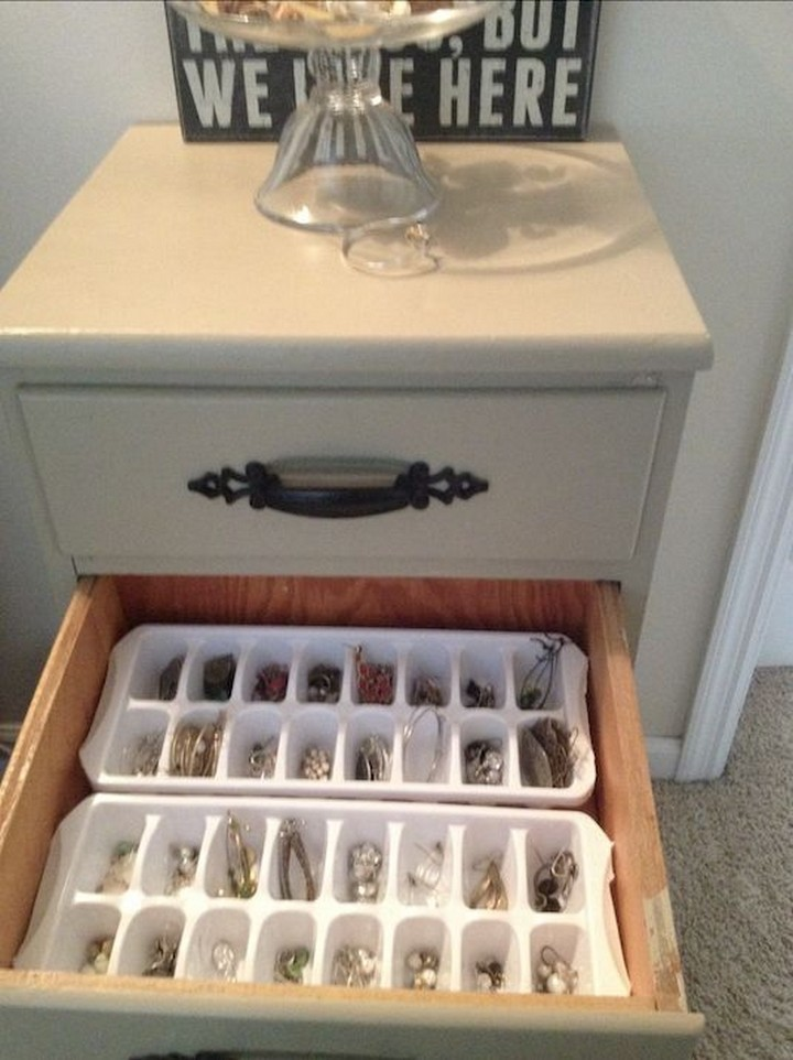 46 Useful Storage Ideas - Use ice cube trays to store jewelry or craft supplies.