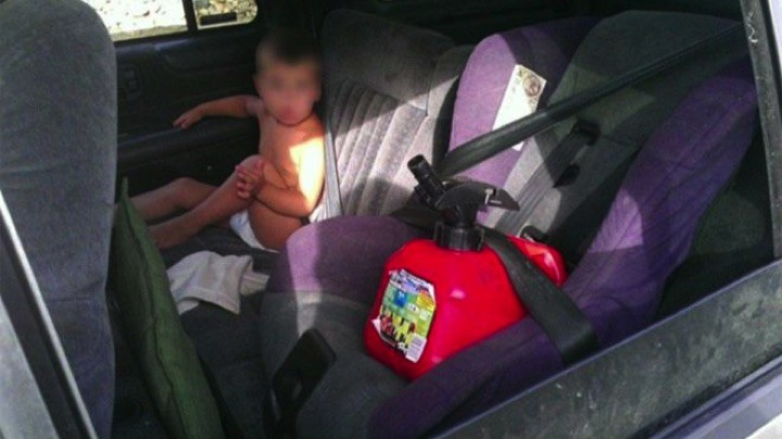 34 Parenting Fails - The gas tank needs to be in the car seat but her toddler...not so much.