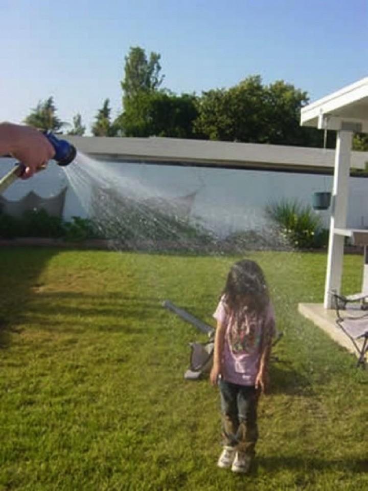 34 Parenting Fails - Is this some sort of suburban punishment?