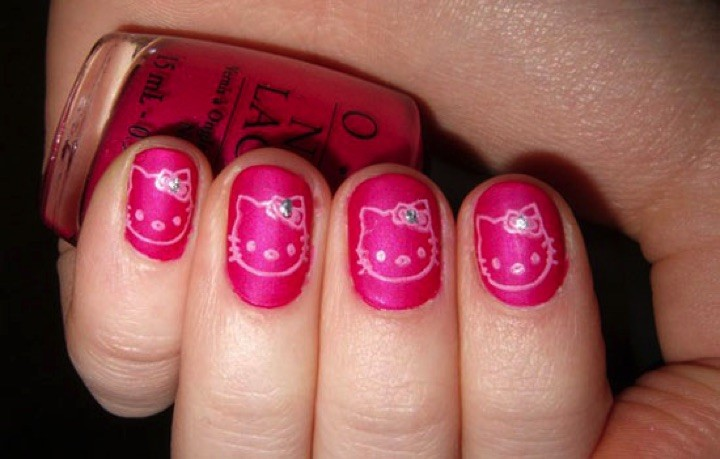14 Hello Kitty Nails - Beautiful Hello Kitty nail art.