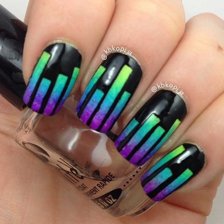 18 Music Nails - Pump up the volume with these DJ music nails!