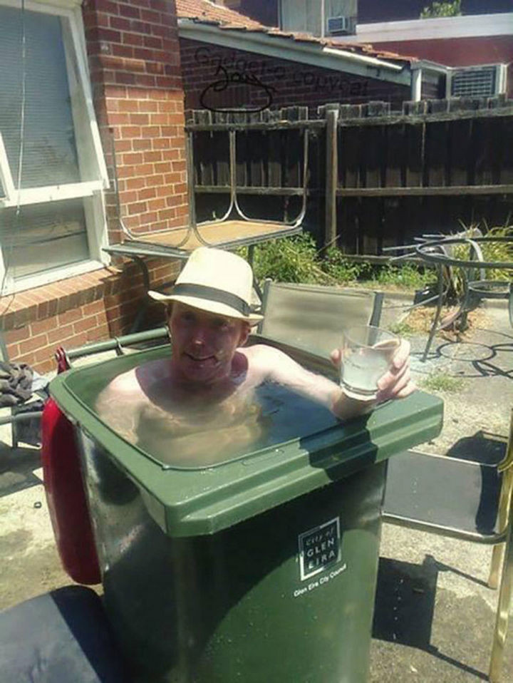 25 Funny DIY Pools - This pool is literally garbage.