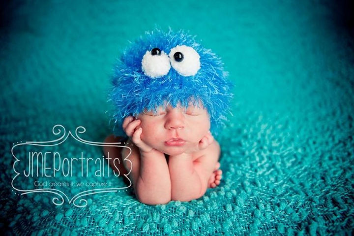 37 Newborns Wearing Geek Baby Clothes - Baby Cookie Monster.