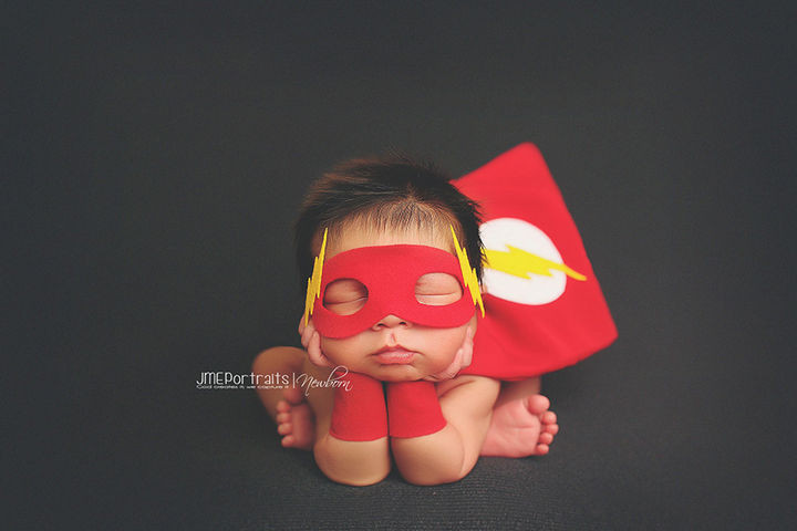 37 Newborns Wearing Geek Baby Clothes - The baby Flash.