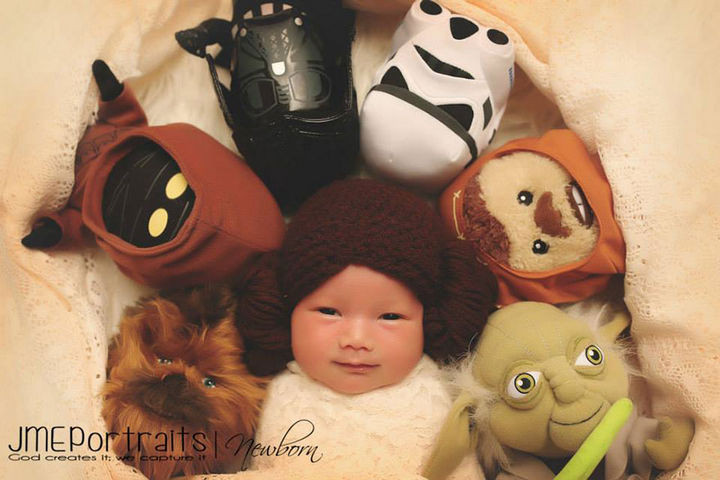 37 Newborns Wearing Geek Baby Clothes - Baby Princess Leia