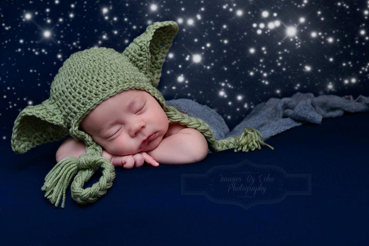 37 Newborns Wearing Geek Baby Clothes - Baby Yoda it is!