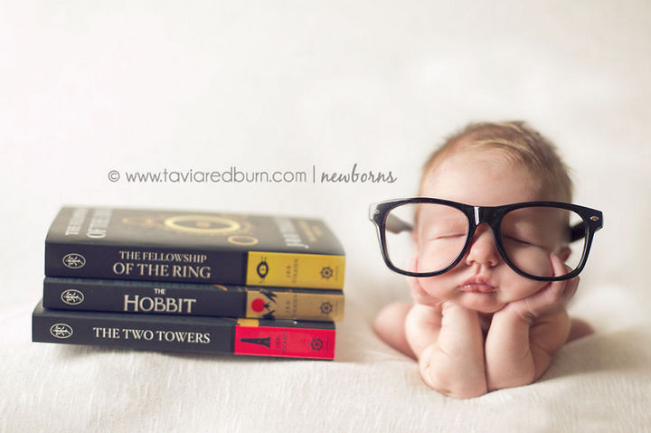 "37 Newborns Wearing Geek Baby Clothes - Baby ""Lord of the Rings"" Bookworm."