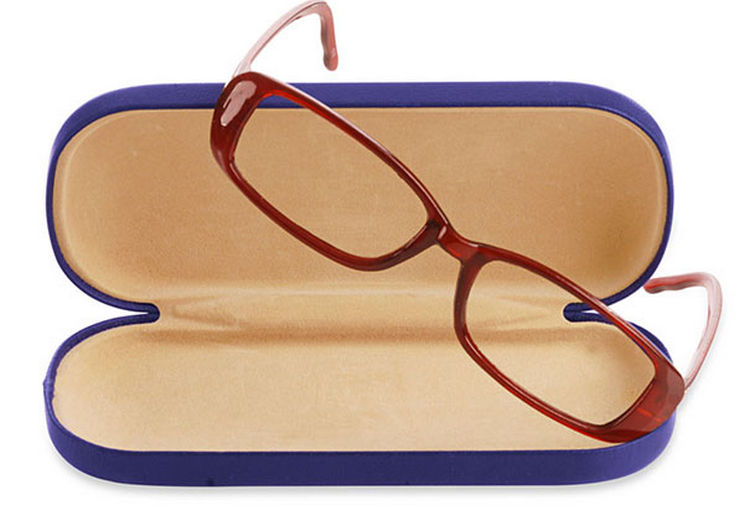 47 Amazing Life Hacks - Eyeglass Case - If you need to throw out your eyeglasses, use the case to store anything that normally gets lost.