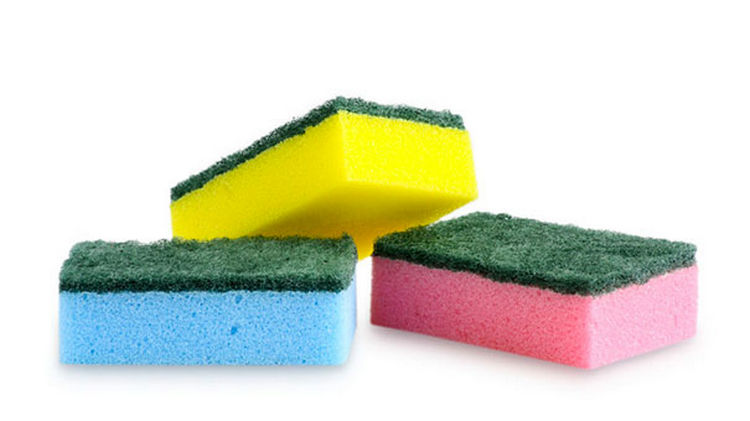 47 Amazing Life Hacks - Sponges - Remove unsightly pilling from your sweaters or linens by rubbing them with the textured side of a sponge.