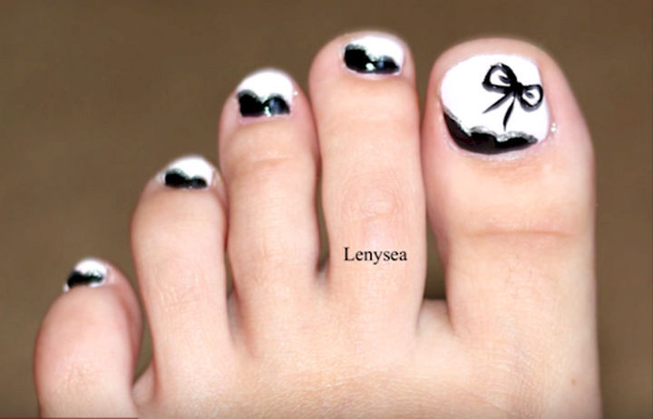 13 Pedicure Designs - Elegant white and black.
