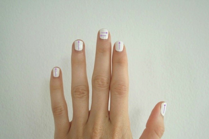 13 Black and White Nails - Having fun with arrows.