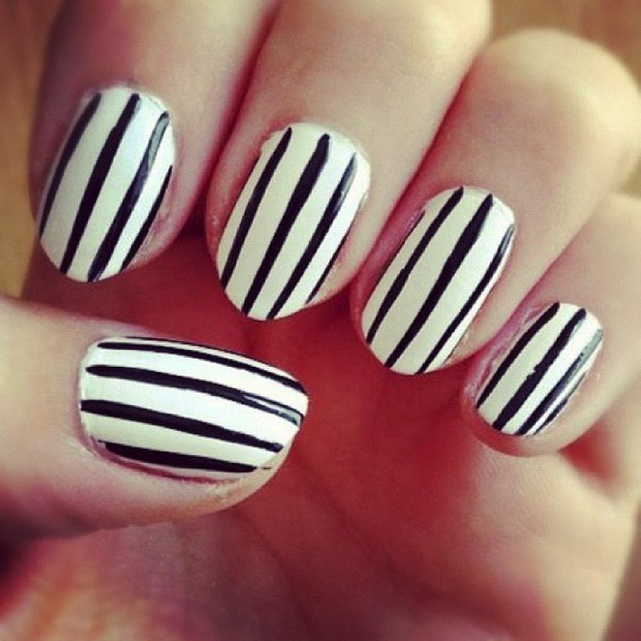 Simple Black And White Nail Art Easy