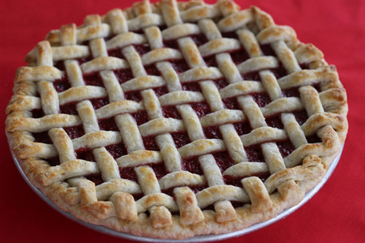 lattice pie crust design.