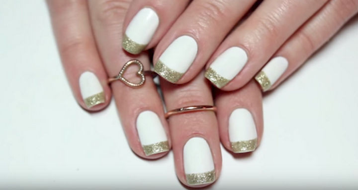 18 Gorgeous French Manicures With a Twist - Glittering French manicure.