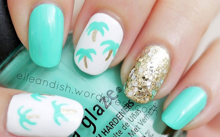18 Green Manicures - Easy palm tree nails.