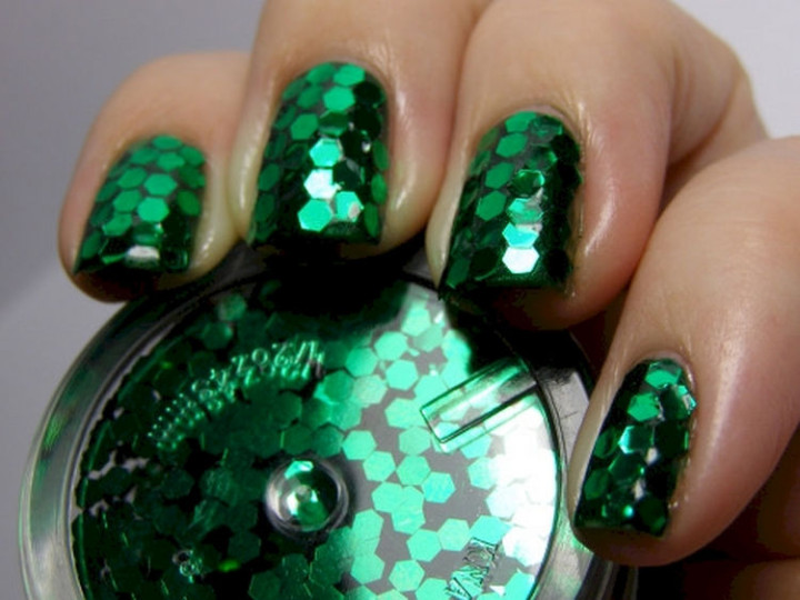 18 Green Manicures - Sequin-covered green nails.