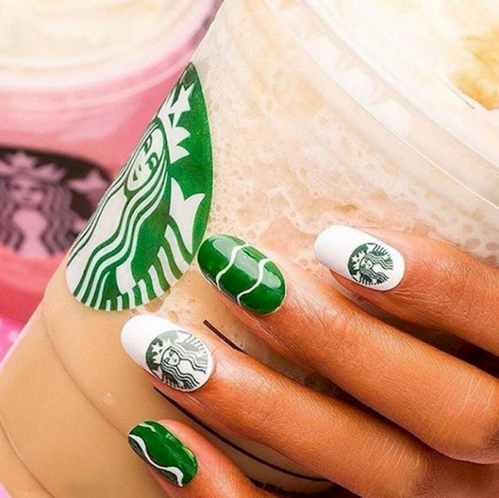 18 Green Manicures - Green Nailspresso manicure.