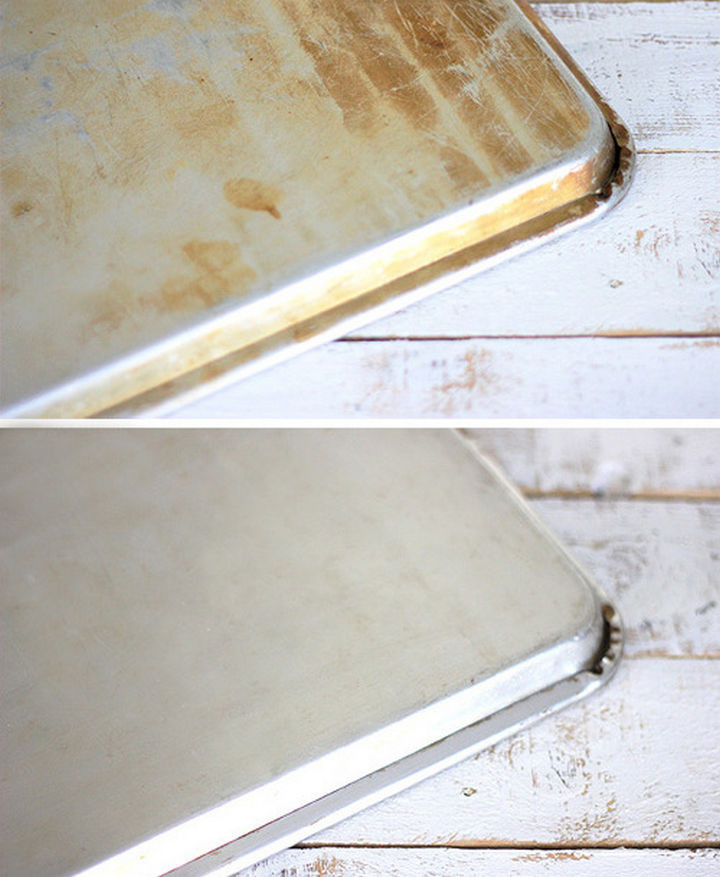 35 House Cleaning Tips - Cleaning cookie sheets.