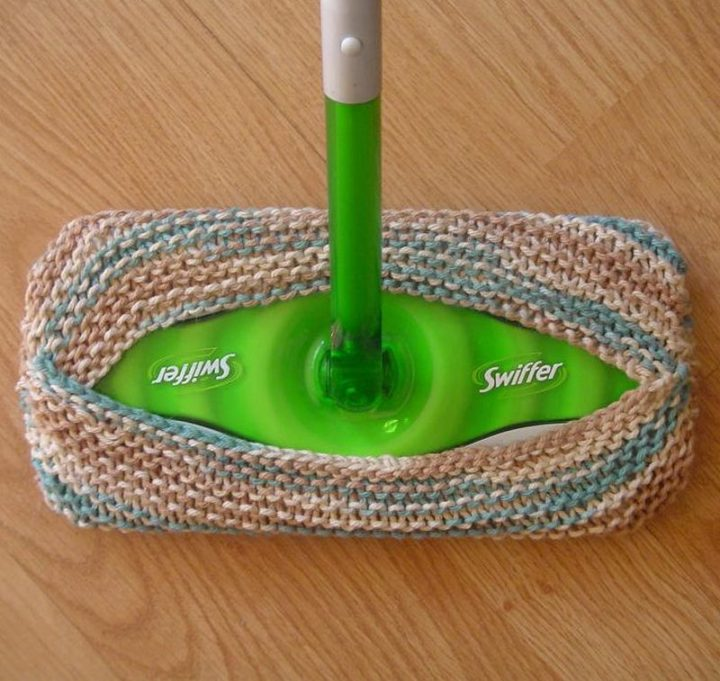 35 House Cleaning Tips - Making a DIY reusable Swiffer pad.
