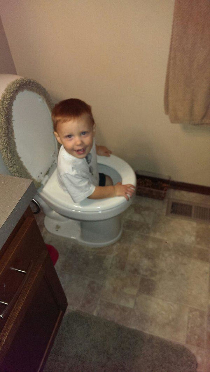 33 Reasons to Be Happy If You Are Not a Parent - Your toilet will never get clogged.