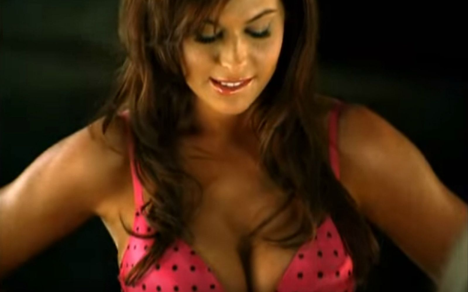 This Banned TV Commercial Was Too Hot for TV. It Has an Hilarious Twist You  Just Can't Miss!