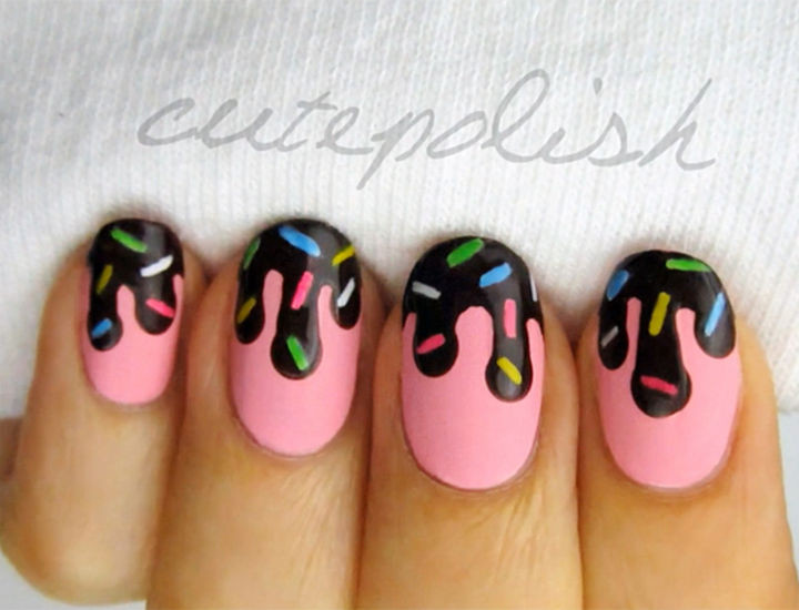 11 Dessert-Inspired Nail Art Designs - Chocolate sauce and sprinkles nail art.