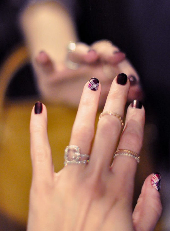 13 Plum Nails - Make your plum manicure stand out with nail wraps.