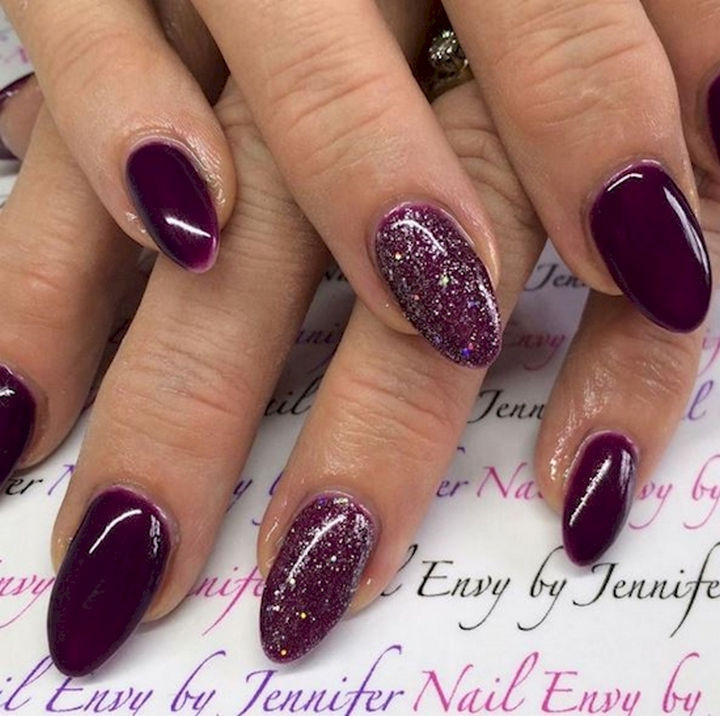 13 Plum Nails - Jazz it up with a glittered accent nail.