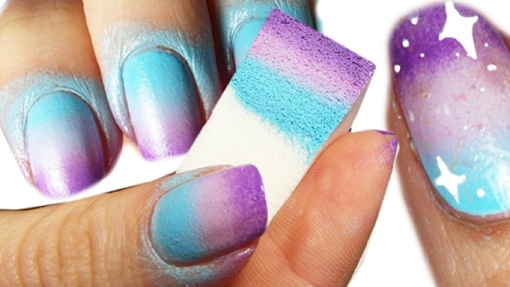 6) Use a sponge for easy gradient designs. - 13 Easy Nails Designs For The Lazy Girl In All Of Us