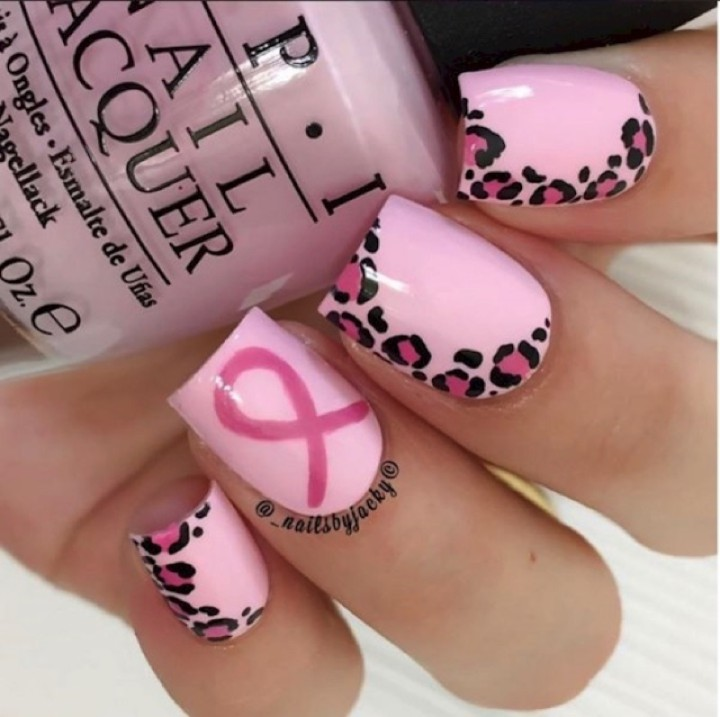 19 Breast Cancer Nails - Amazing pink leopard print nail design.