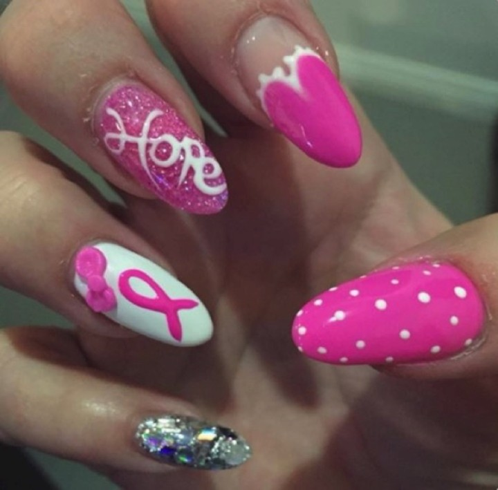 19 Breast Cancer Nails - Love the heart-shaped design of this accent nail.