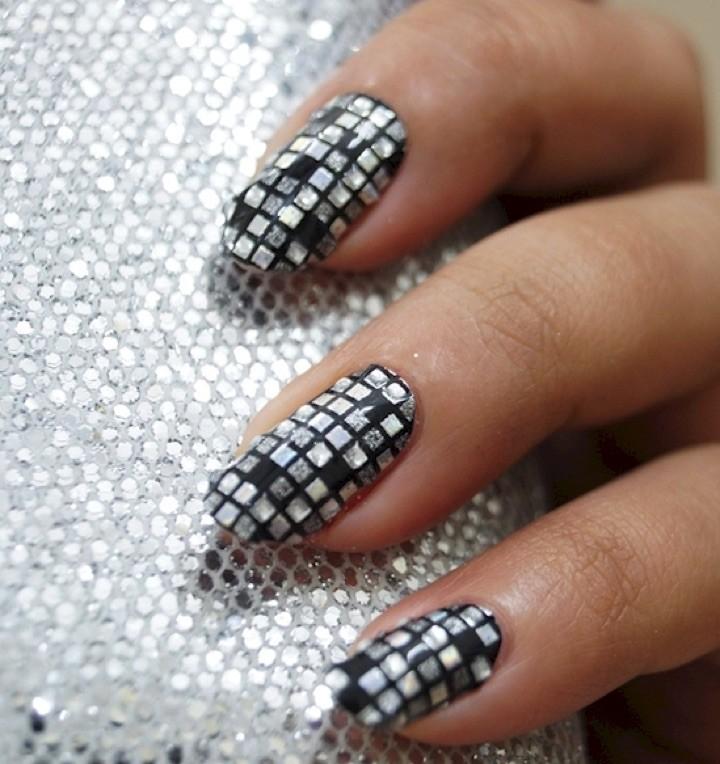 20 Metallic Nails That Will Make You Shine | Chrome nails