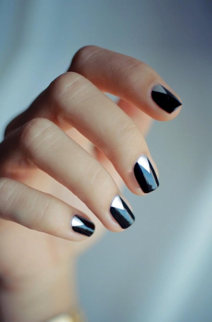 20 Metallic Nails That Will Make You Shine Chrome Nails