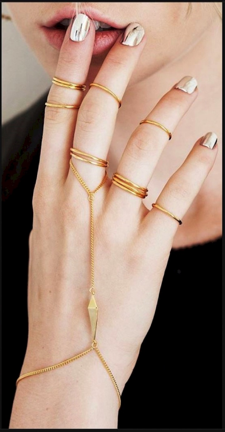 20 Metallic Nails - Silver and gold never looked better.
