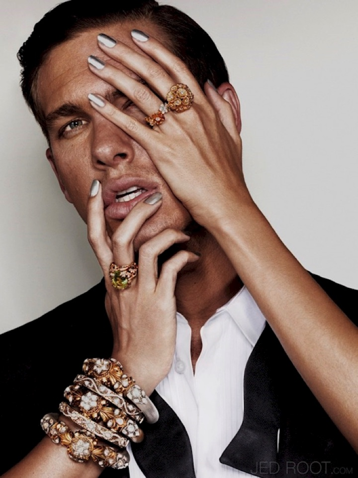 20 Metallic Nails - Metallic nails look so great your man won't know what hit him.