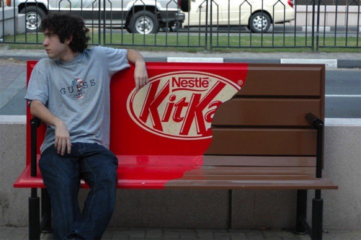 21 Creative Billboard Ads - I only wish there were candybars of that size.