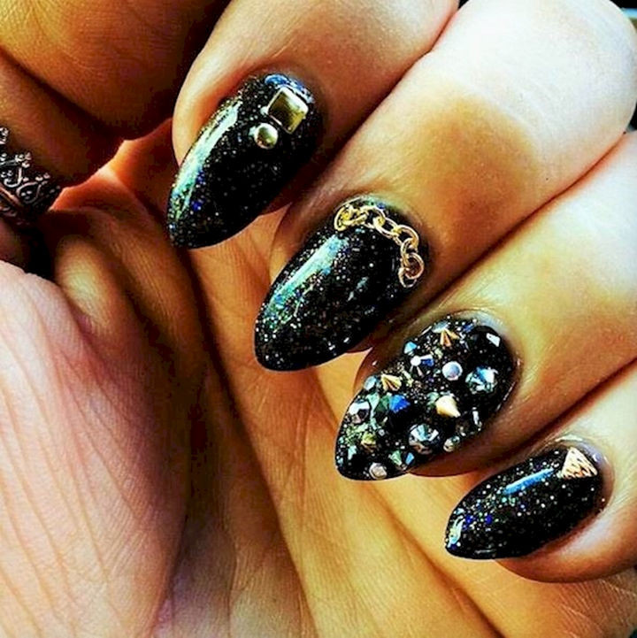 22 Black Nails That Look Edgy and Chic - These nails have something for everybody.