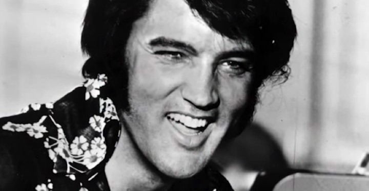 Elvis Laughing While Singing 'Are You Lonesome Tonight'.
