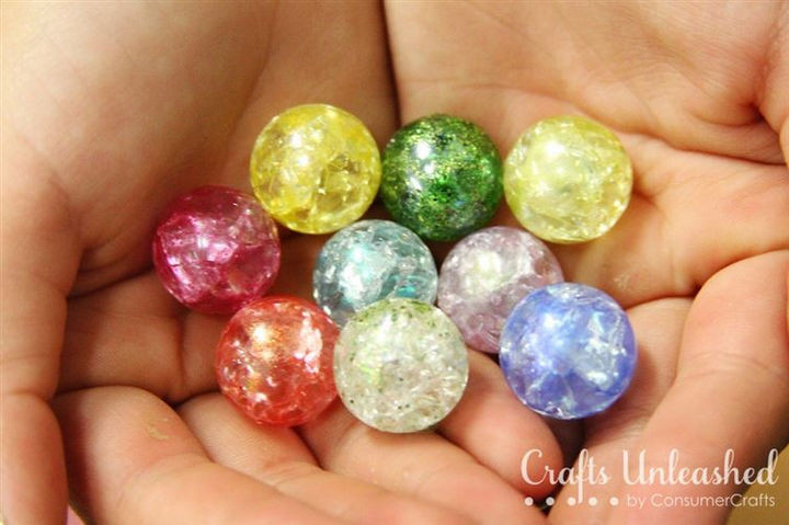 Because there are so many colors, you can experiment with a variety of marbles or even try using nail polish or glitter to add a special effect.