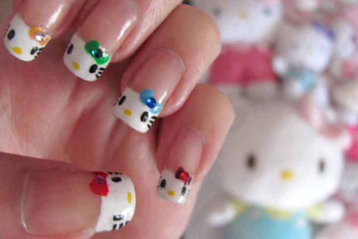 15 Cat Nail Art Manicures - Hello Kitty!